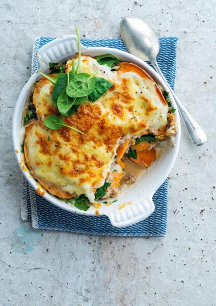Foto van Lasagne van zoete aardappel met bloemkoolsaus